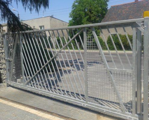 Metalowa brama automatyczna
