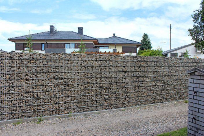 Ściana z gabionu 12