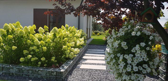 Ogródek z gabionami 2