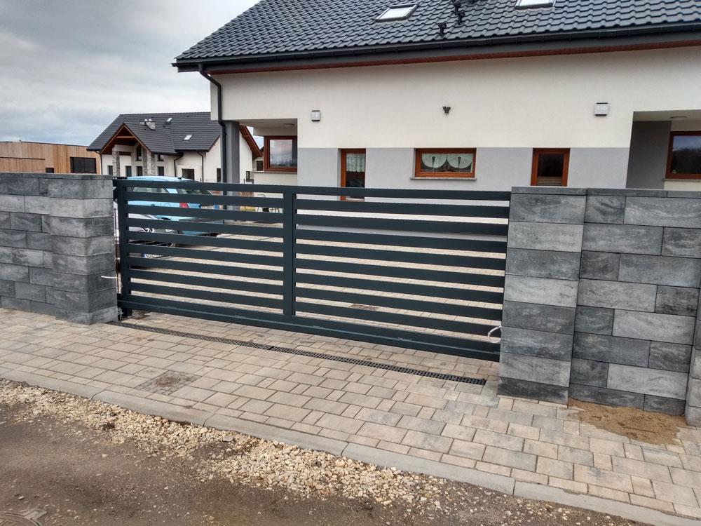 brama wjazdowa przesuwna palisadowa